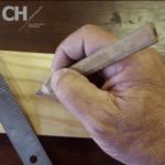Schreinermeister Hein fertigt Betten vom Schreiner